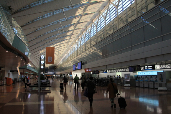 羽田空港の朝・・_d0202264_2231133.jpg