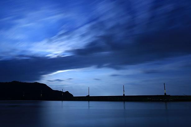 月明かりの漁港_b0186680_11521593.jpg