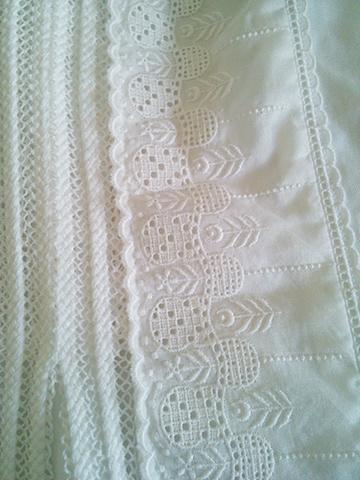 日差しを通す白いシャツブラウス_c0126189_10505100.jpg