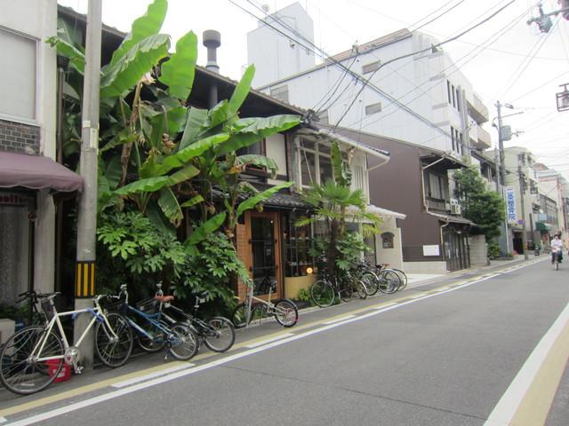 バナナの木のカフェ。_b0207631_17105189.jpg