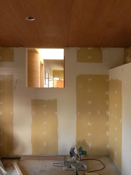 『リボーンハウス』カーブする壁。_e0197748_14182339.jpg