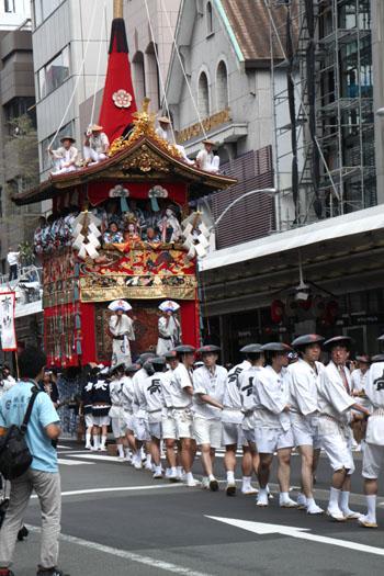 祇園祭 山鉾巡行_e0048413_18574257.jpg