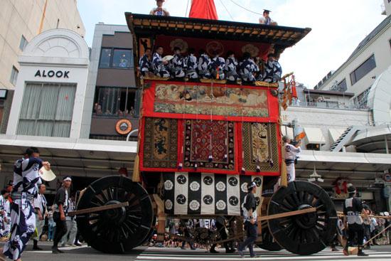 祇園祭 山鉾巡行_e0048413_190250.jpg