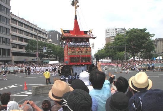 祇園祭 山鉾巡行_e0048413_1902899.jpg