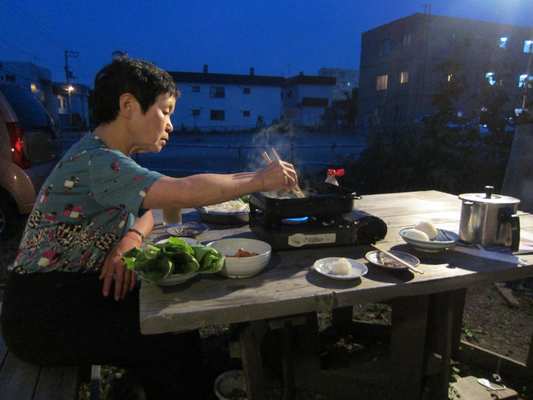 2416)「昨夜は庭で夕食をした。2014年7月17日(木)」_f0126829_16545428.jpg