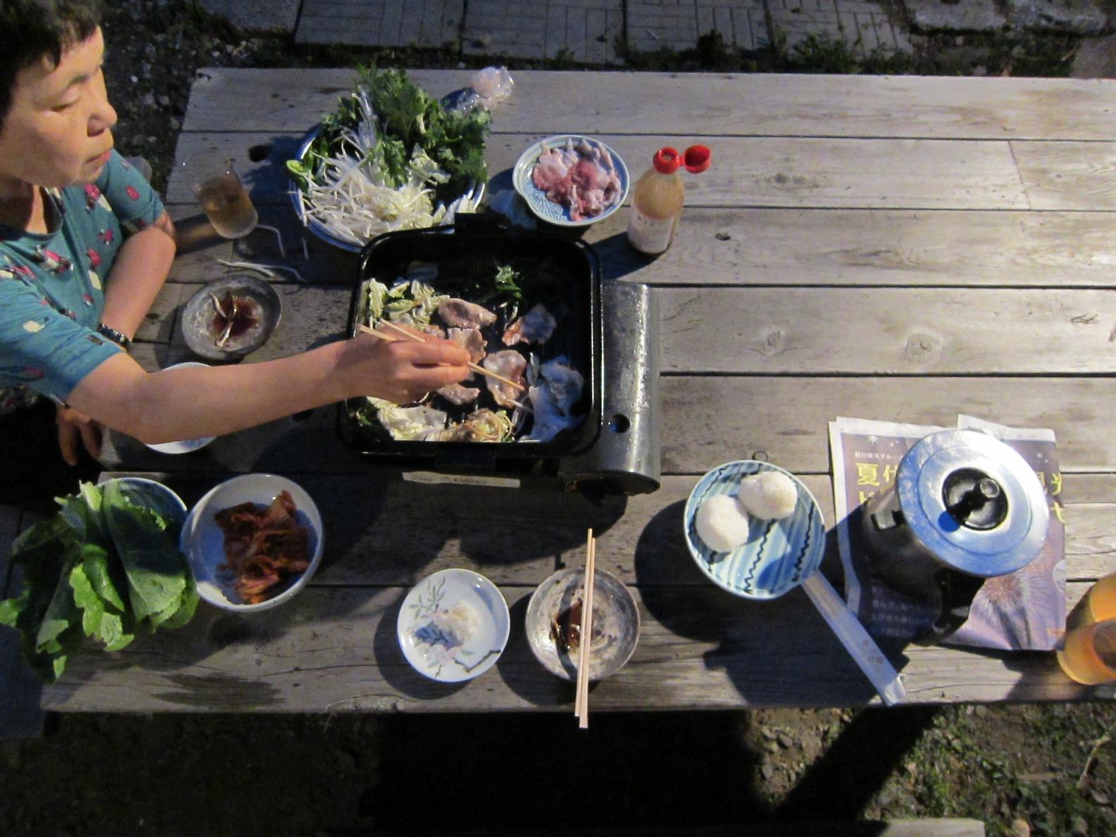 2416)「昨夜は庭で夕食をした。2014年7月17日(木)」_f0126829_16564086.jpg