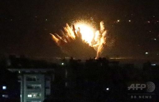イスラエル、ガザに地上侵攻 戦車砲で乳児ら5人死亡_c0024539_10403647.jpg