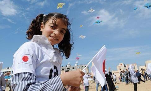 イスラエル、ガザに地上侵攻 戦車砲で乳児ら5人死亡_c0024539_10465539.jpg
