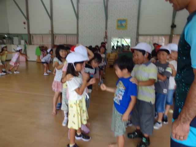 二田小学校一年生来園_d0166047_1558437.jpg