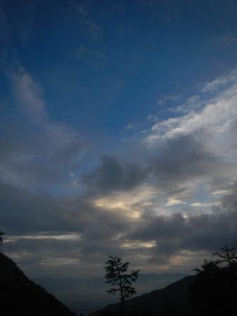 雨上がりの後_e0120896_06511411.jpg