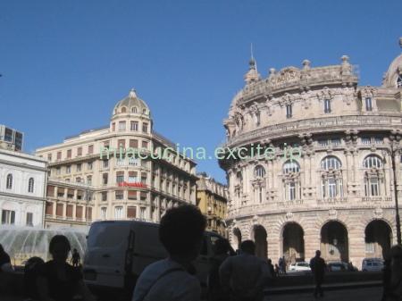 イタリア食旅行記⑦ ジェノヴァ町歩き(お菓子・お惣菜・キッチン用品など)_b0107003_09162743.jpg