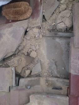 板橋区の高島平で雨漏り発見_c0223192_18381962.jpg