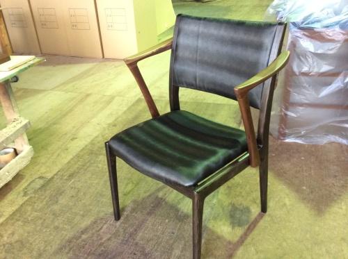 Raise Chair 新作椅子が出来ました。_f0192307_19363431.jpg