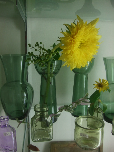 オークリーフ(夏におすすめの花瓶)_f0049672_1749558.jpg