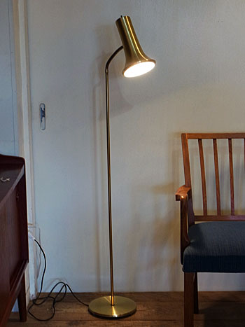 floor lamp_c0139773_1752115.jpg