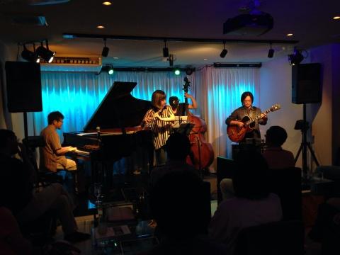 広島 Jazzlive comin 薬研堀 本日のジャズライブ!_b0115606_11315215.jpg