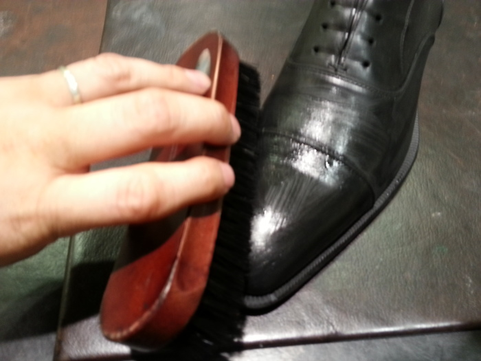 扱い易く本格的な乳化性靴クリームです。_b0226322_19463853.jpg