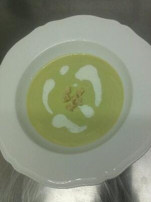 本日のスープ。_e0210422_22295067.jpg