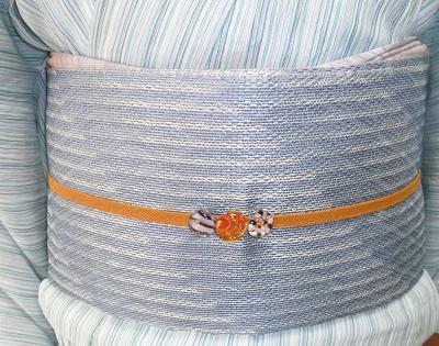 小千谷縮に羅紗織八寸帯・小雪さんの竺仙松煙染。_f0181251_18313899.jpg