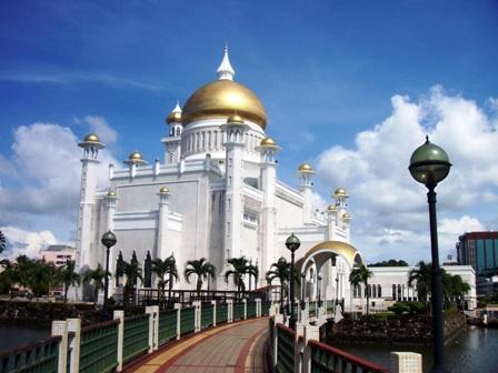 ボルネオ島の最も美しいモスク_a0132757_14261836.jpg