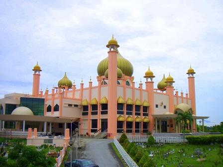 ボルネオ島の最も美しいモスク_a0132757_14343266.jpg