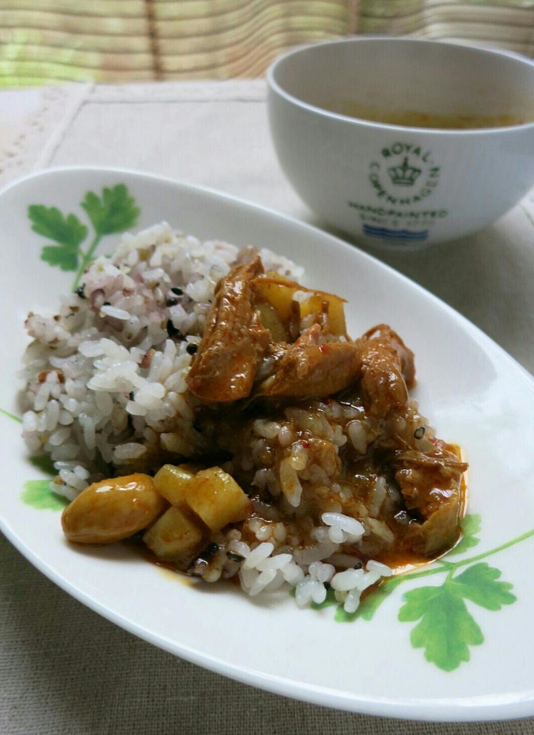 タイカレーの缶詰め / 生食用アンズ @マツヤ_f0236260_1212452.jpg