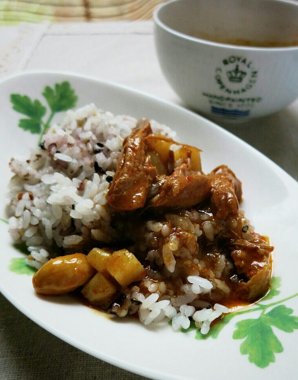 タイカレーの缶詰め / 生食用アンズ @マツヤ_f0236260_1226377.jpg