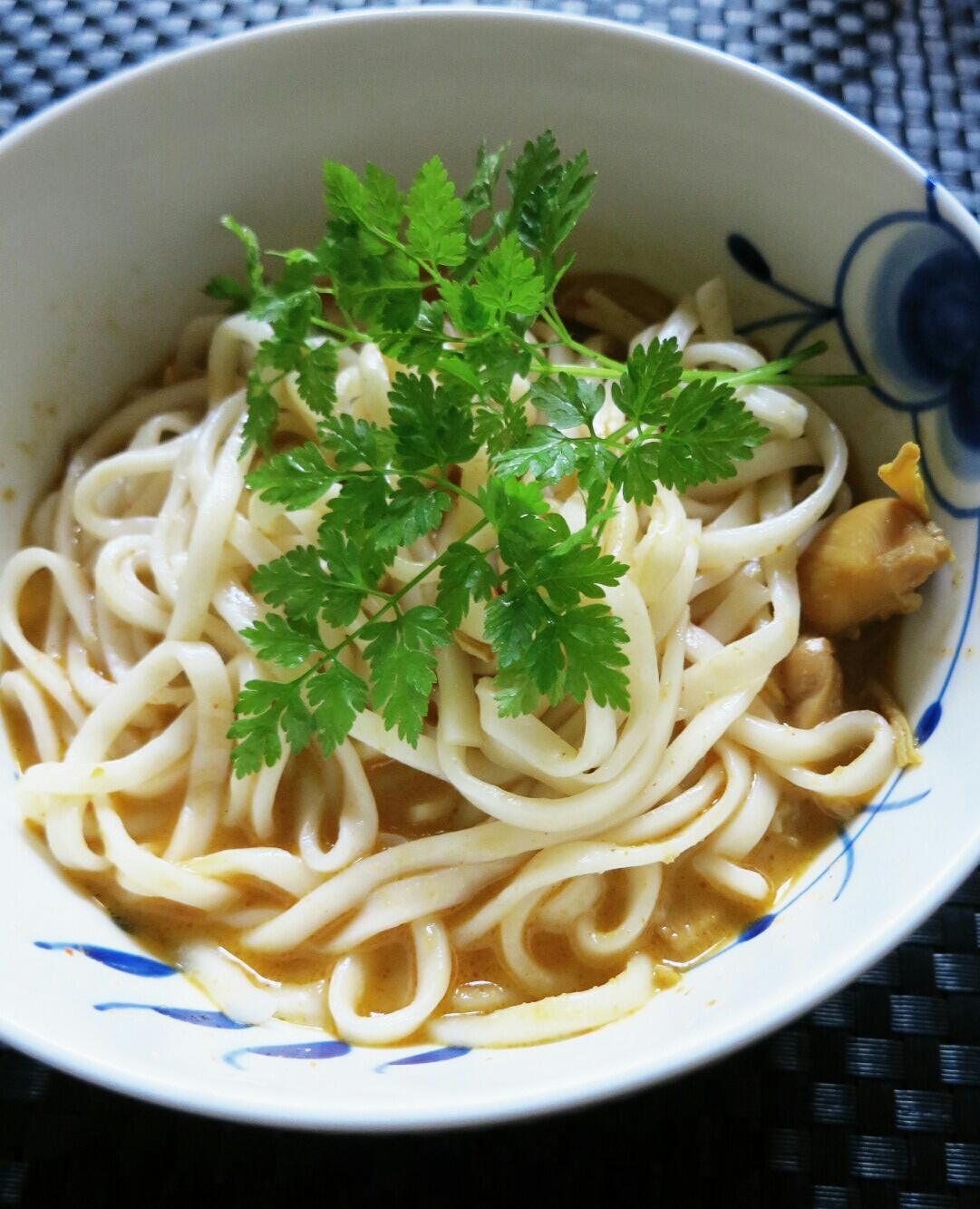 タイカレーの缶詰め / 生食用アンズ @マツヤ_f0236260_1448932.jpg