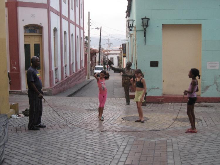 blog;キューバでなわとび_a0103940_05511567.jpg