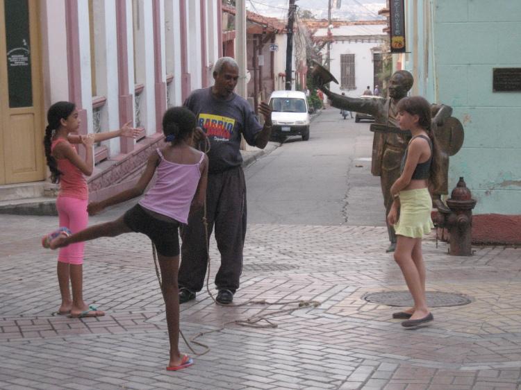 blog;キューバでなわとび_a0103940_05544510.jpg