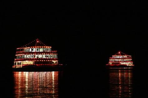 湖面を彩る花火に喝采 ~十和田湖湖水まつり~_f0237658_1414356.jpg