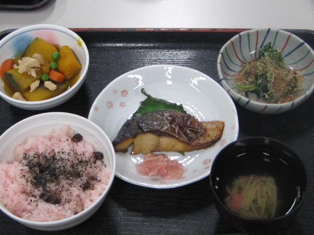 らくえん・らくえん倶楽部「行事食」の紹介_e0191174_15593041.jpg