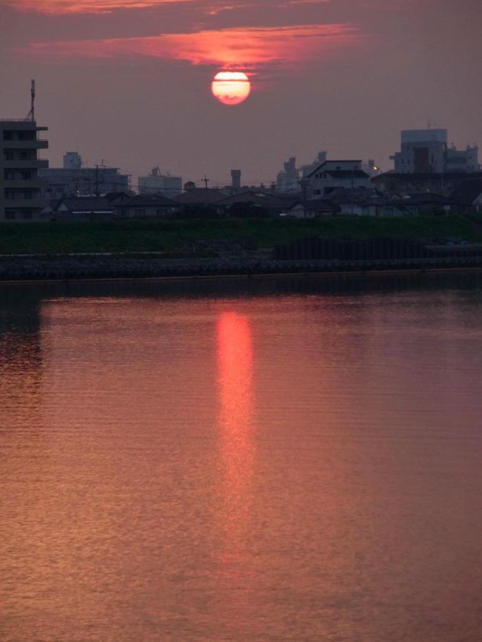 美しい朝はつづく… (*^_^*)_c0049299_21262858.jpg