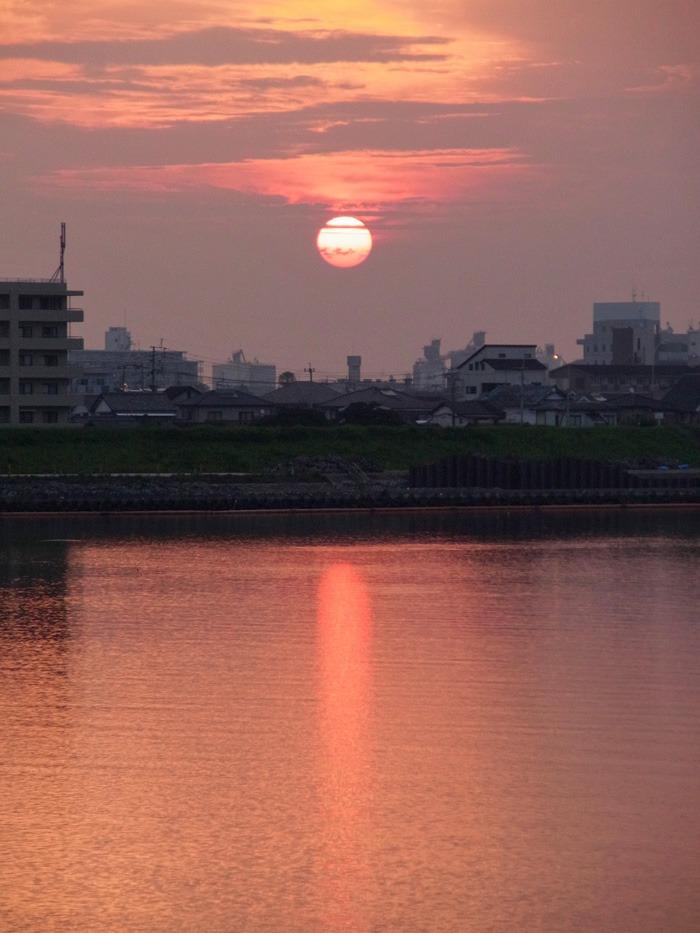 美しい朝はつづく… (*^_^*)_c0049299_21263463.jpg