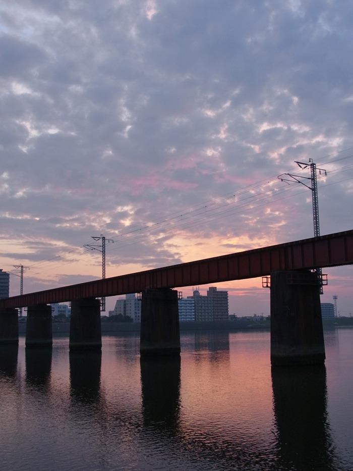 美しい朝はつづく… (*^_^*)_c0049299_21272077.jpg