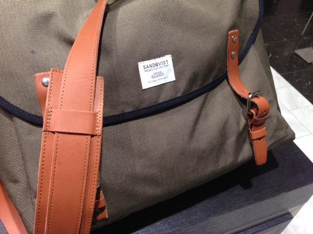 鞄に防水スプレー_b0226322_11315556.jpg