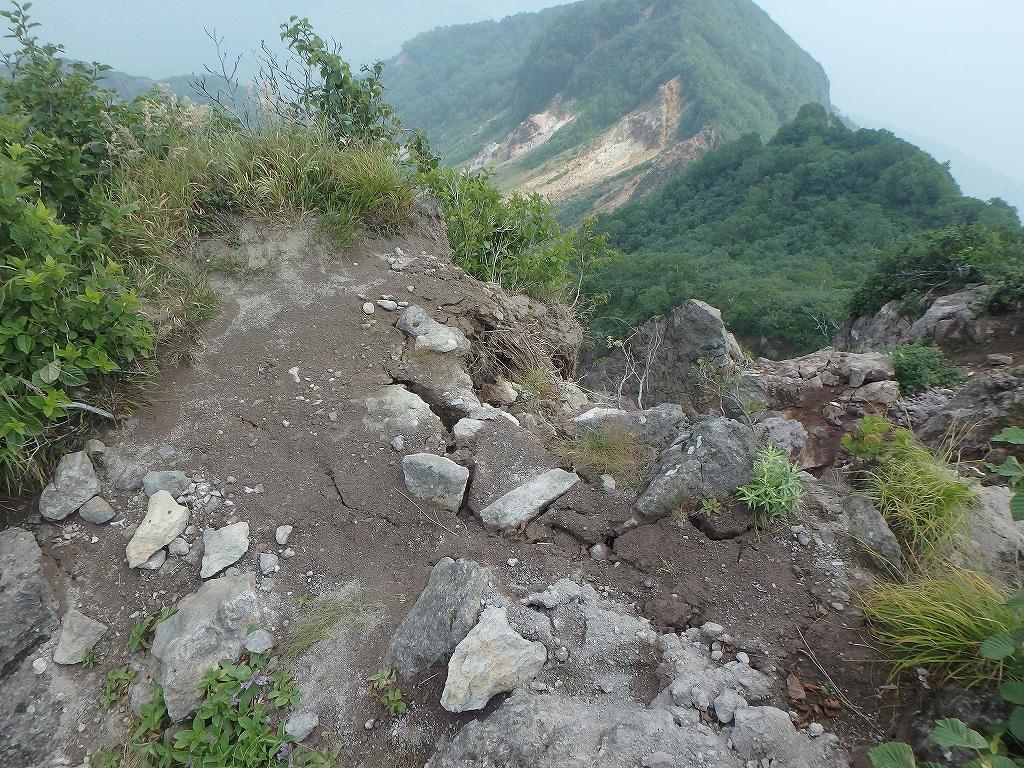 地震後の恵庭岳、再び 7月25日_f0138096_2210227.jpg