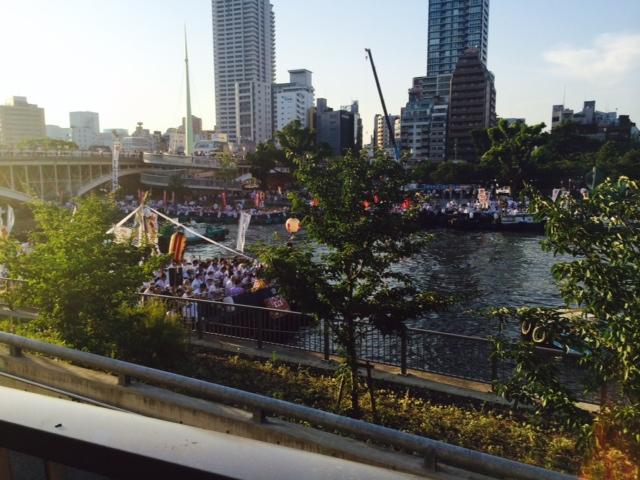 天神祭の大阪は暑い。2/2_a0050302_1543031.jpg