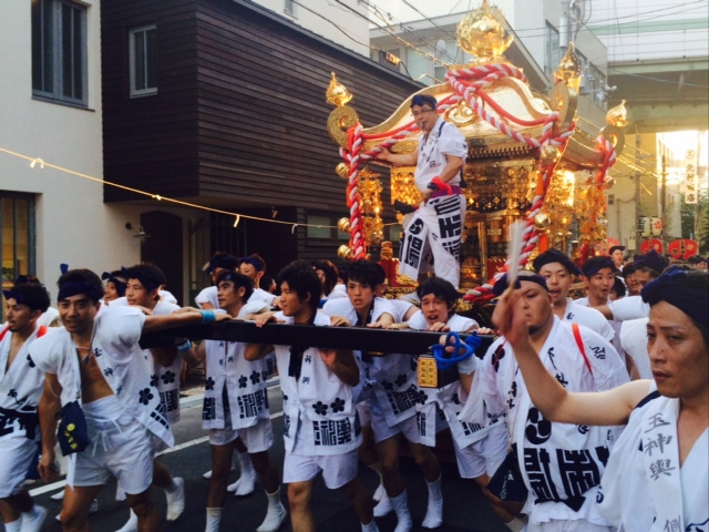 天神祭の大阪は暑い。2/2_a0050302_1557767.jpg