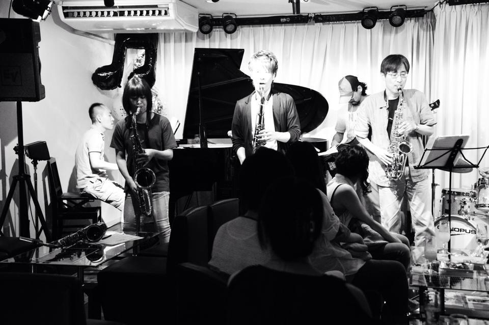 Jazzlive comin 広島 明日月曜日のライブ!_b0115606_12195913.jpg