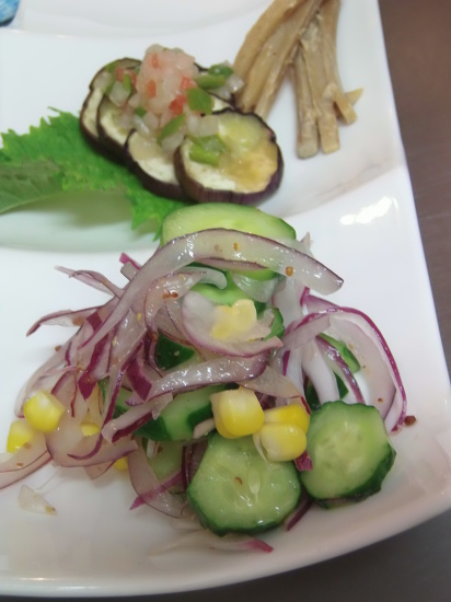 自然農の野菜の「モーリョ」ソースで。_a0125419_19515226.jpg