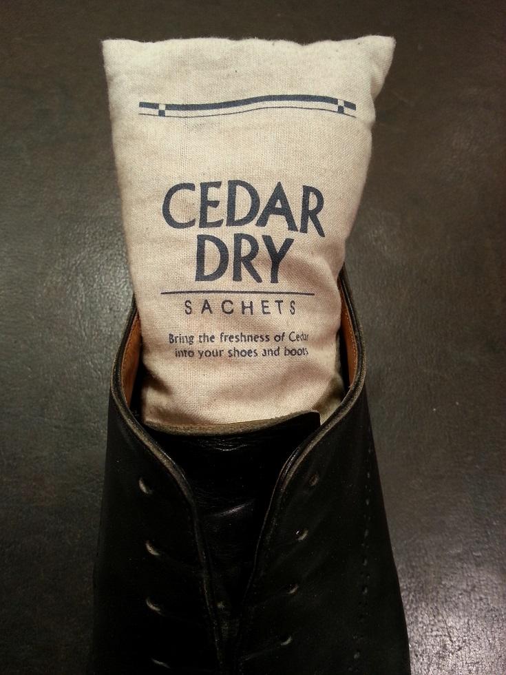 天然木の靴用乾燥剤。_b0226322_13203653.jpg