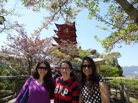 Walking tour in spring_a0255452_15213813.jpg