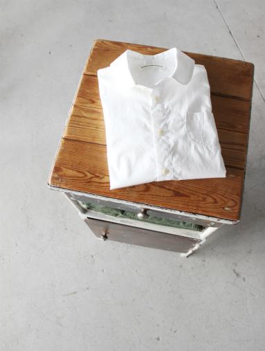 GRANDMA MAMA DAUGHTER グランマ ママ ドーター の丸襟シャツ_b0139281_14385215.jpg