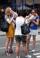 夏のニューヨークの見所、ストリート・フェア(8月のスケジュール付)_b0007805_22462100.jpg