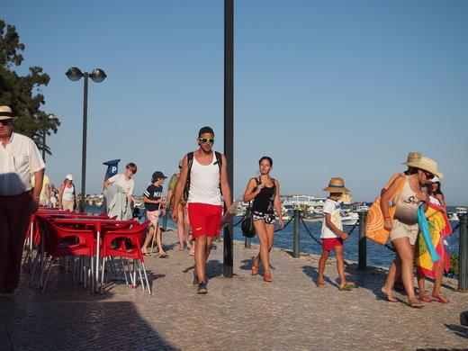寒い南ポルトガルの、避暑地な人々・・・_f0152733_23454477.jpg
