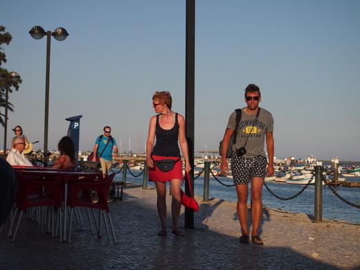 寒い南ポルトガルの、避暑地な人々・・・_f0152733_23471079.jpg