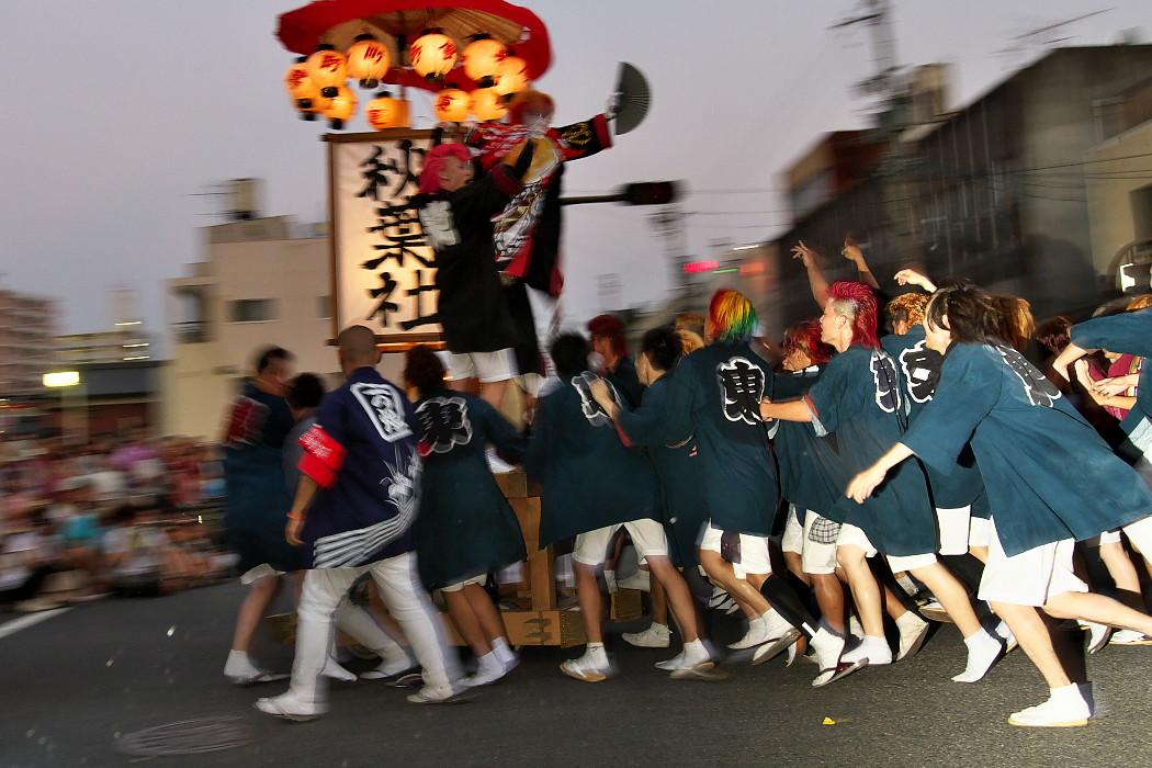 天下の奇祭『万燈祭』_c0187584_2158272.jpg