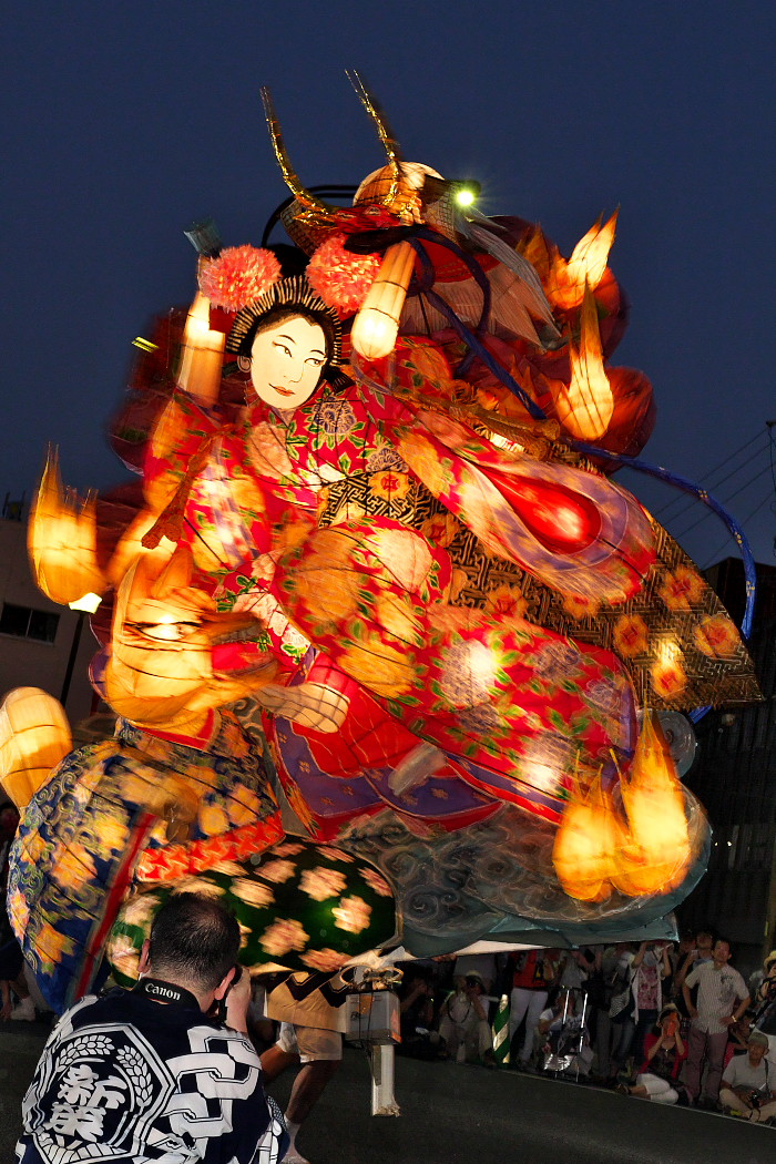 天下の奇祭『万燈祭』_c0187584_21583826.jpg