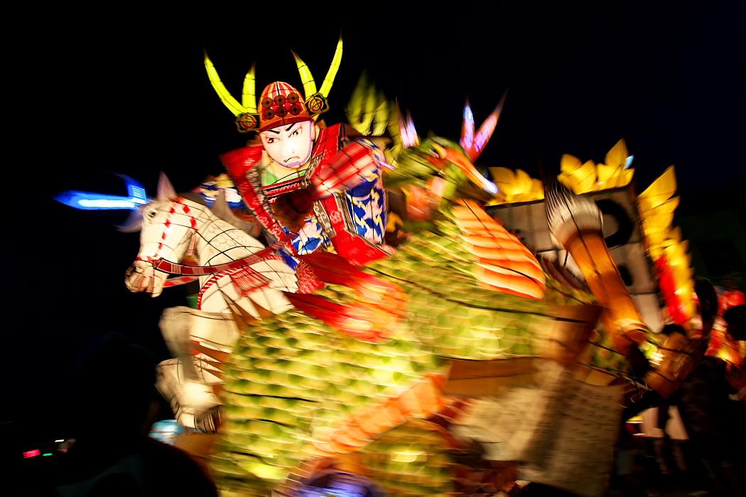 天下の奇祭『万燈祭』_c0187584_2215449.jpg